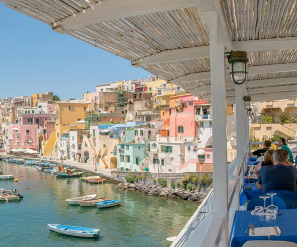 Thing to do and experience around Procida: Bar and Restaurants